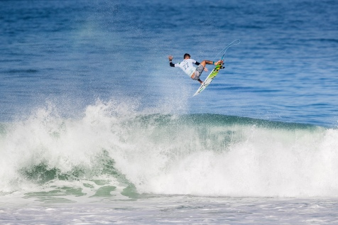 Filipe Toledo (BRA) scored an excellent heat total of 18.33 points which included a perfect ten point ride for a massive backside aerial and advances to the Quarter Finals of the 2018 Oi Rio Pro after winning Heat 1 of Round 4 at Itaúna Beach, Saquarema, Rio de Janeiro, Brazil.