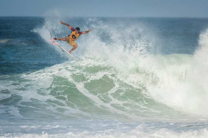 Julian Wilson (AUS) advanced to the Semifinal of the OI Rio Pro after winning Quarters 2 at Barrinha Beach, Saquarema, Brazil.